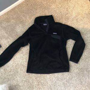 All black, pullover from Patagonia !